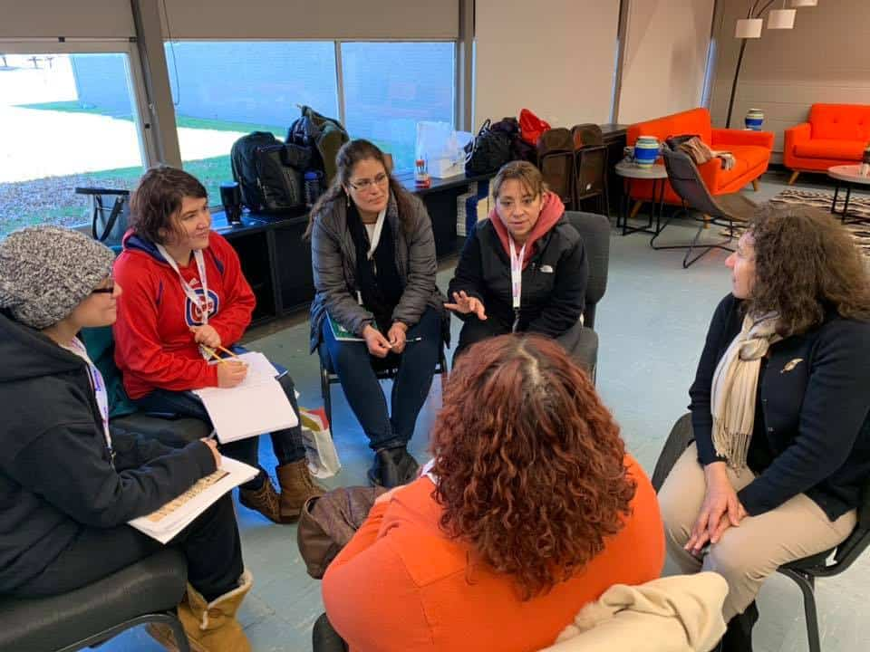 parent mentor volunteers training to help students learn in classrooms